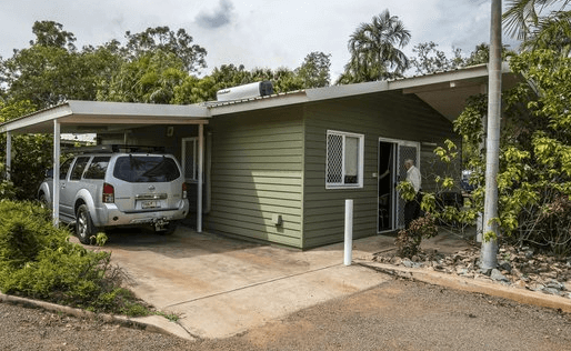 Batchelor Holiday Park – Batchelor   The Best Dog friendly road trips NT - Dog friendly holiday ideas Northern Territory