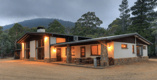 Pender Lea – Crackenback   Pet friendly accommodation ACT & Snowy Mountains