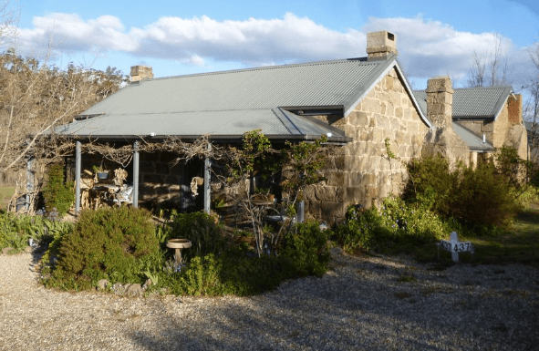 Pet friendly accommodation ACT & Snowy Mountains    Woodvale at Cooma