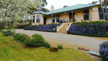 St Helens Country Cottages – Clare (Clare Valley) - pet friendly weekend getaways South Australia