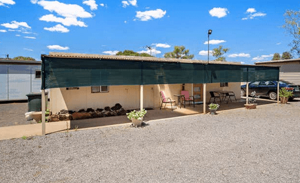 Outback Gold Accommodation – Dog friendly road trips Mount Magnet (Golden Outback)